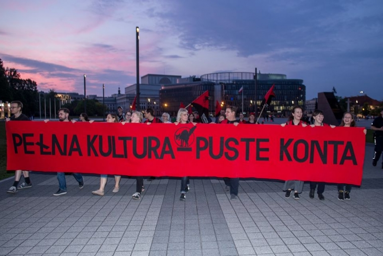 protest during Night of Museums in 2019